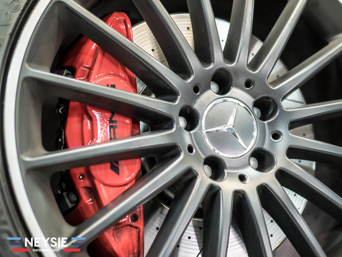 Mercedes AMG disc brakes and alloy wheels.